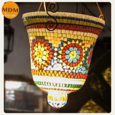 Lámpara de cristales de colores