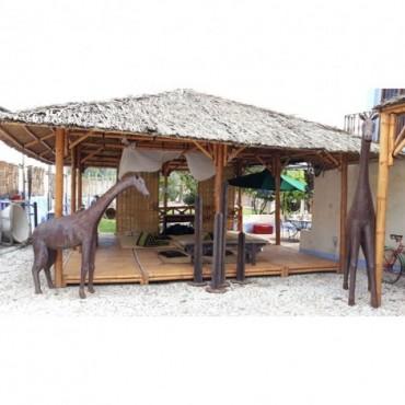Gazebo de cañas de bambú