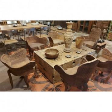Conjunto mesa y sillas talladas