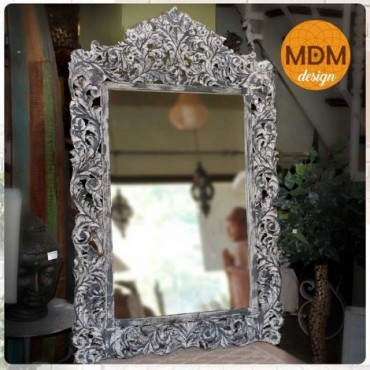 Espejo de madera gris