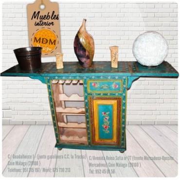 Mueble bar con extensiones